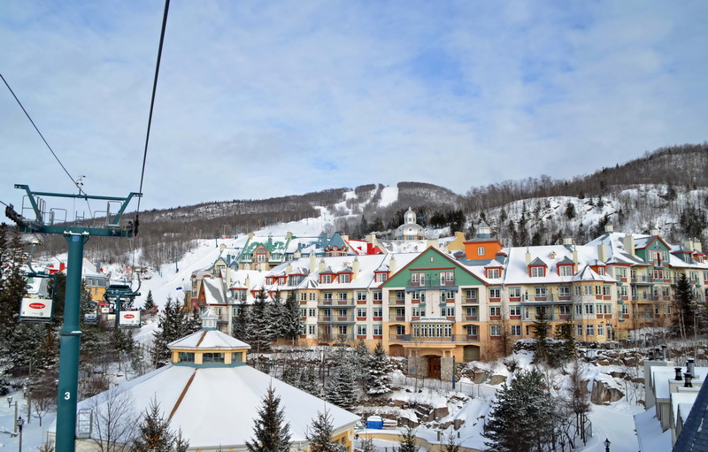 111Mont-Tremblant-Village-from-the-People-Mover