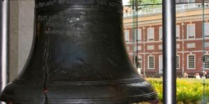 11999_93460100_-_HISTORY_-_Liberty_Bell,_Independence_Hall